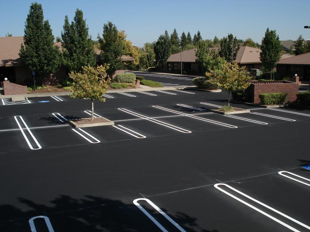 Parking Lot Striping in Hattiesburg, ADA Parking lot Compliance, Fire Land Striping, Handicap Parking